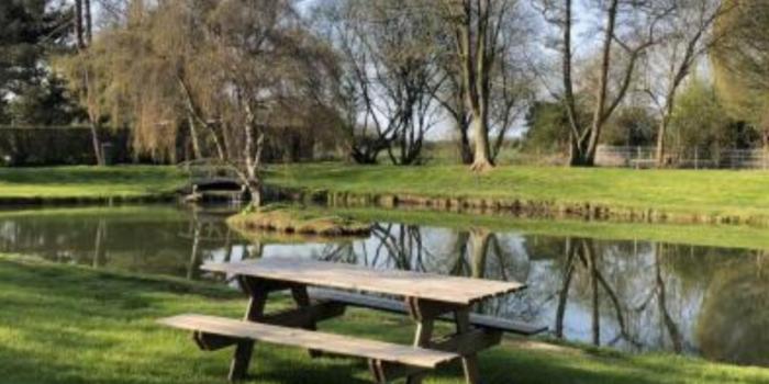 Un étang de pêche est disponible chaque jour pour les particuliers.